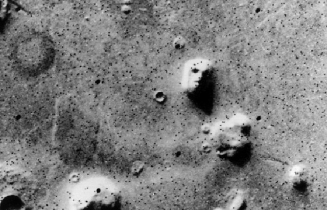 face on mars and moon - photo #2