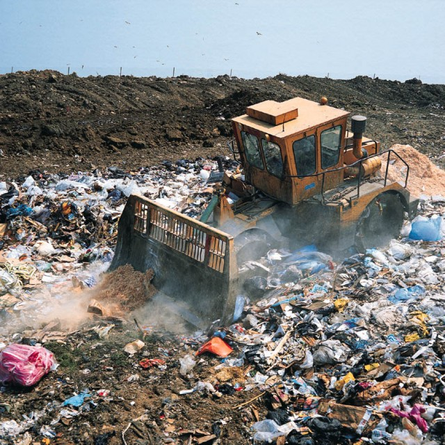 essay on garbage disposal in india