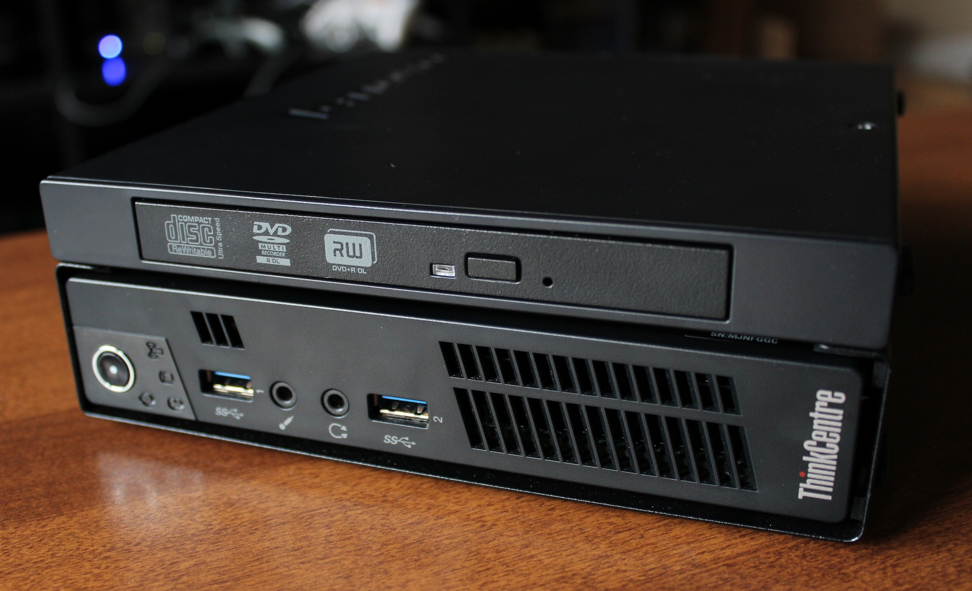 The M92p's optical drive comes in its own frame, which the computer itself slides into. It adds some height and weight to the package but should soothe those who are afraid of the optical drive's demise.