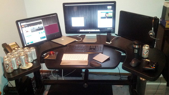 Open Source Editor Ryan Paul's Desk