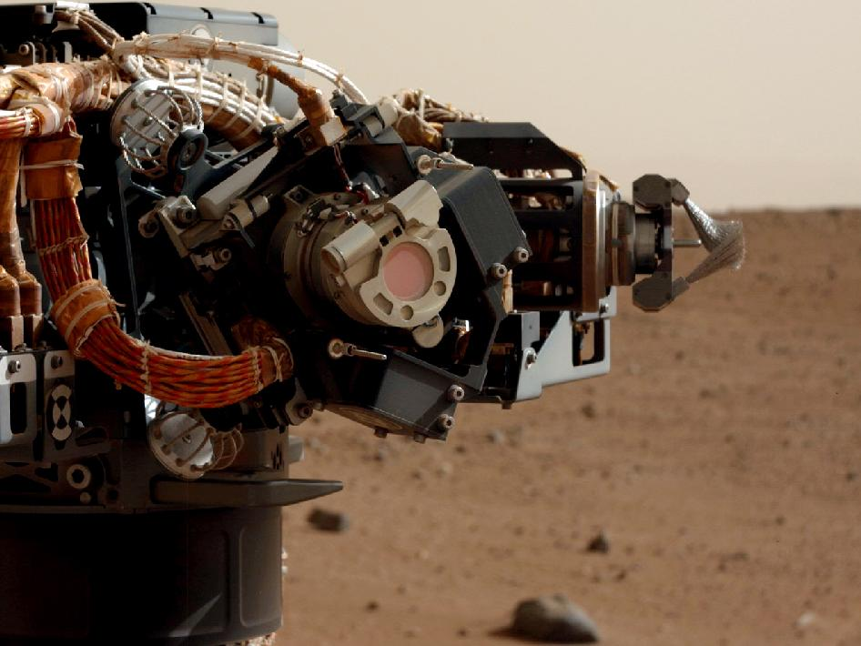 The MAHLI imager, photographed by Curiosity's mast cam.