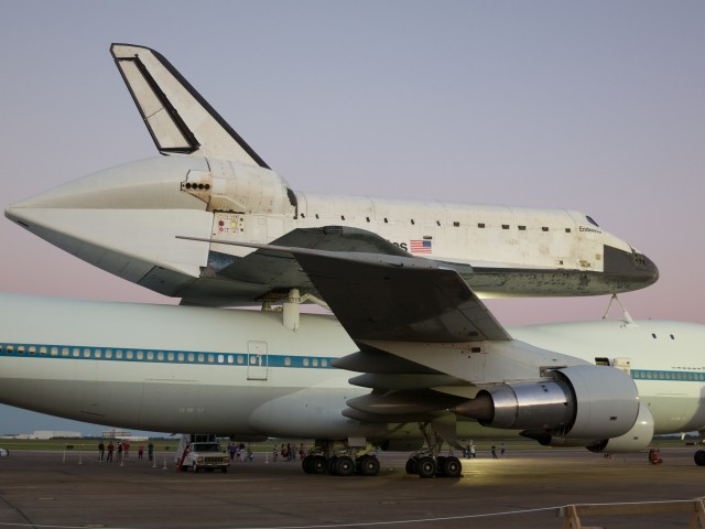 Another shot of Endeavour atop SCA #1.