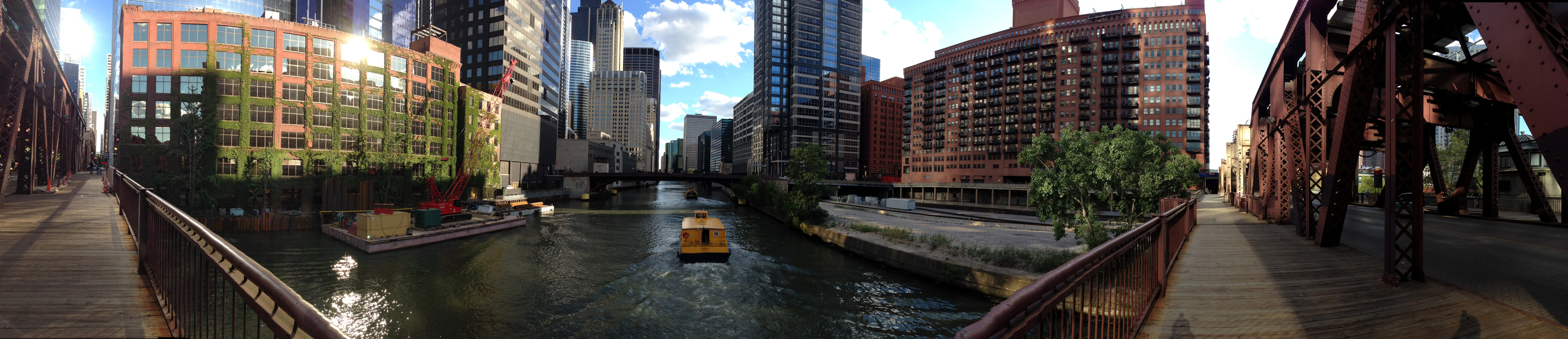 A nice view of downtown Chicago facing south from the Lake Street bridge.