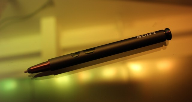 A pressure-sensitive digitizer and pen allow for more precise handwriting input.
