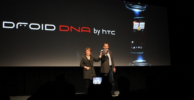 Verizon Wireless Chief Marketing Officer Tami Erwin and HTC President Jason Mackenzie showing off the upcoming Droid DNA.