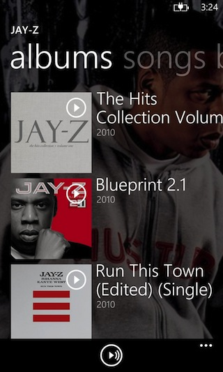 Text tends to run off the screen in the Windows Phone store, which can be annoying to look at.