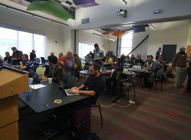 Sharon McKellar took this photo of Ars editor Cyrus Farivar using Google Glassat an event in Oakland last month.