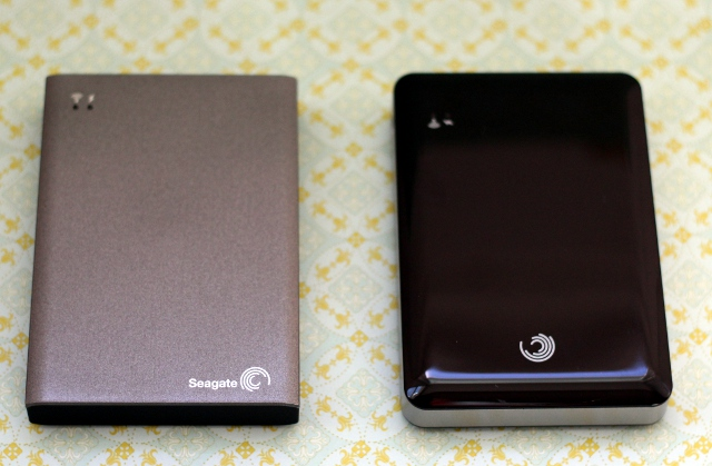 The Wireless Plus lays next to its older brother, the GoFlex Satellite.