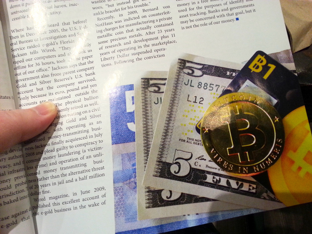 US regulator: Bitcoin exchanges must comply with money-laundering laws