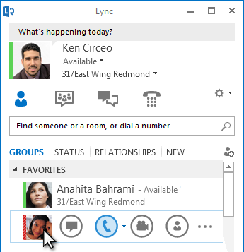 The Quick Lync menu shows when the mouse is over a contact's picture.