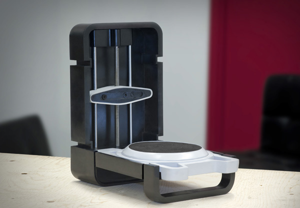 The foldable 3D scanner looks like a mini suitcase when closed.