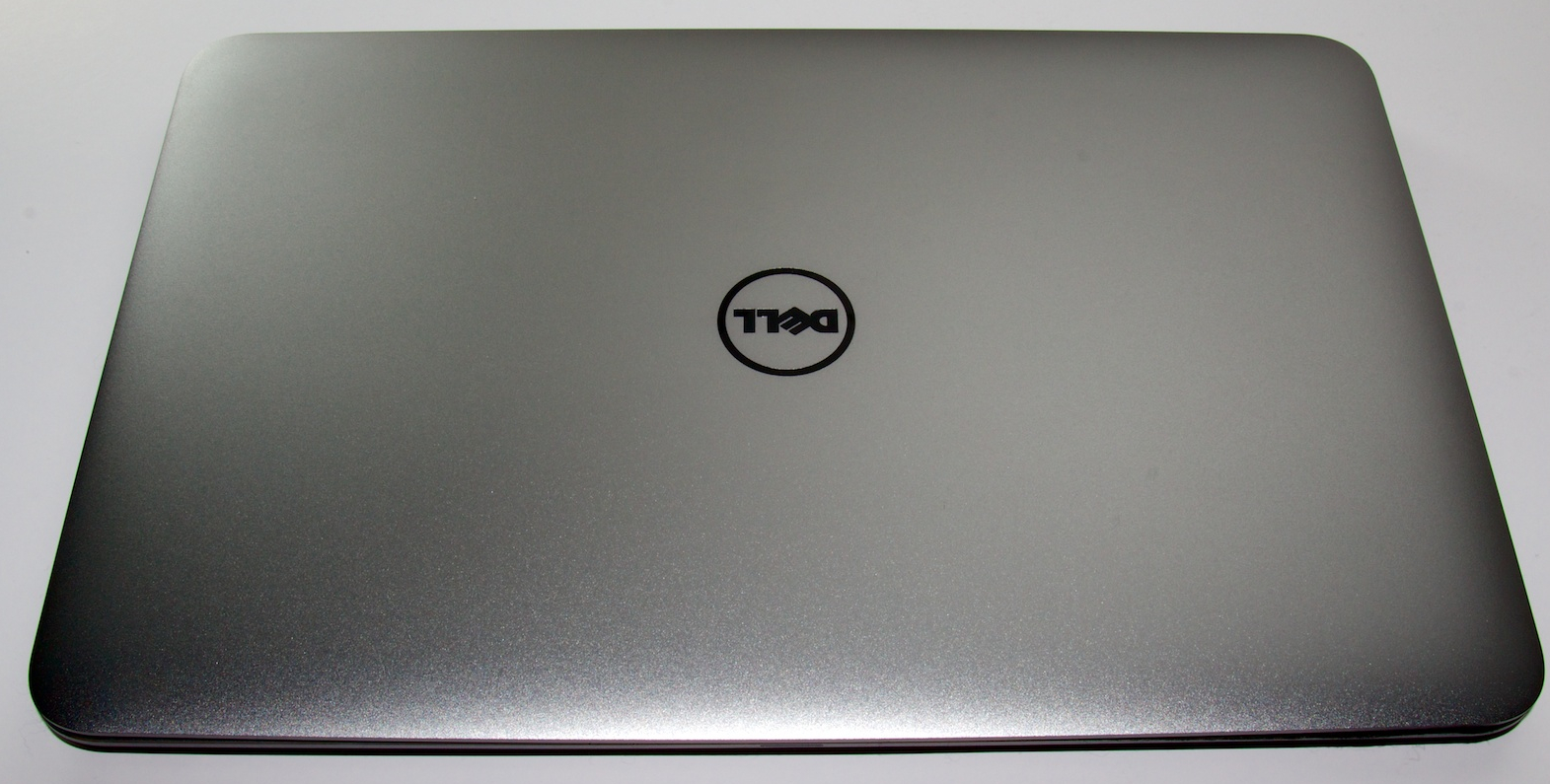 The aluminum clamshell lid of the XPS 13 Developer Edition.