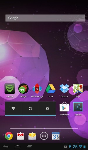 Using a third-party launcher like Nova Launcher, you can reclaim this wasted screen space on the Sero 7.