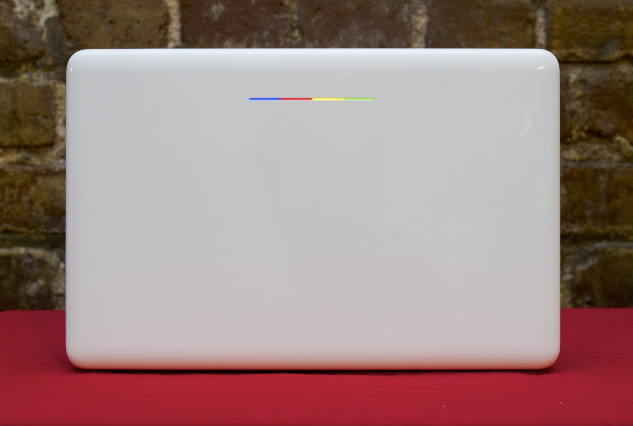 The light strip on the lid is superficially similar to the one on the Chromebook Pixel, but without the cool programmable LEDs.