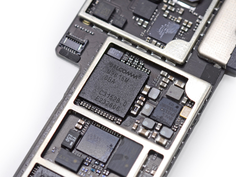 The iPad Air's MDM9615M LTE chip.
