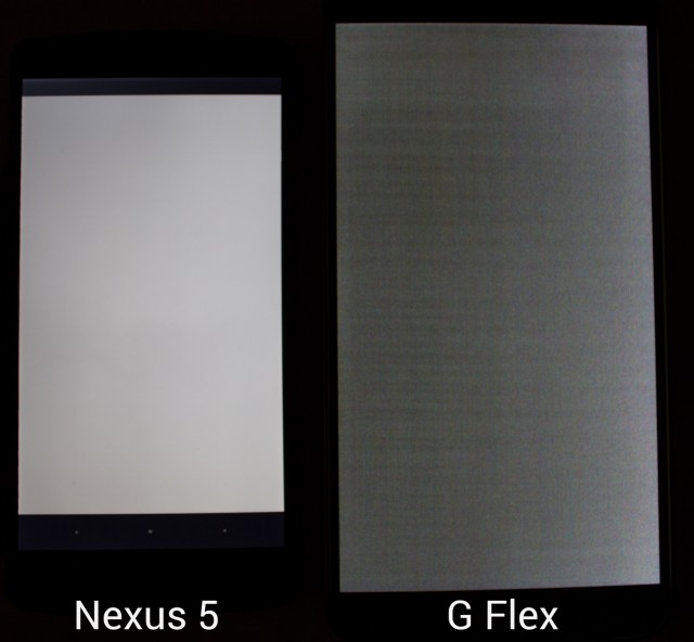 The Nexus 5 and the G Flex displaying the same solid gray image. Yes, the G Flex screen is really this bad.