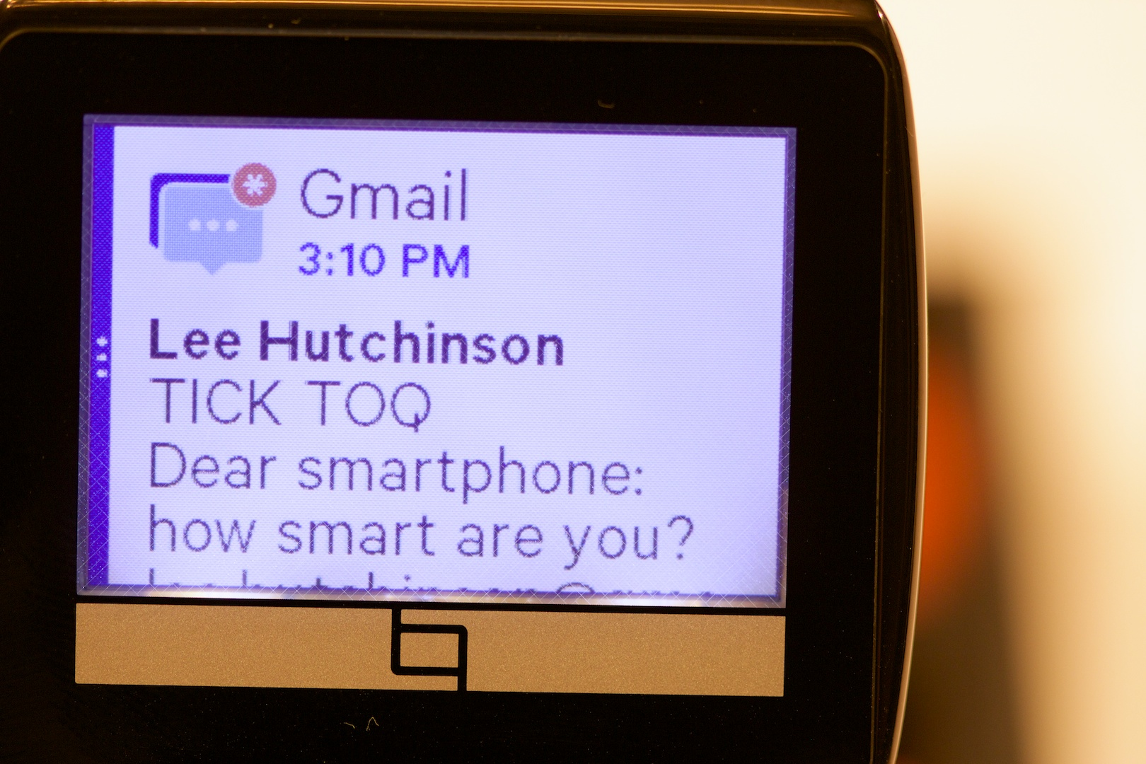 An e-mail notification, displayed on the Toq. The notification contains the e-mail's full text, unlike some other smartwatches.