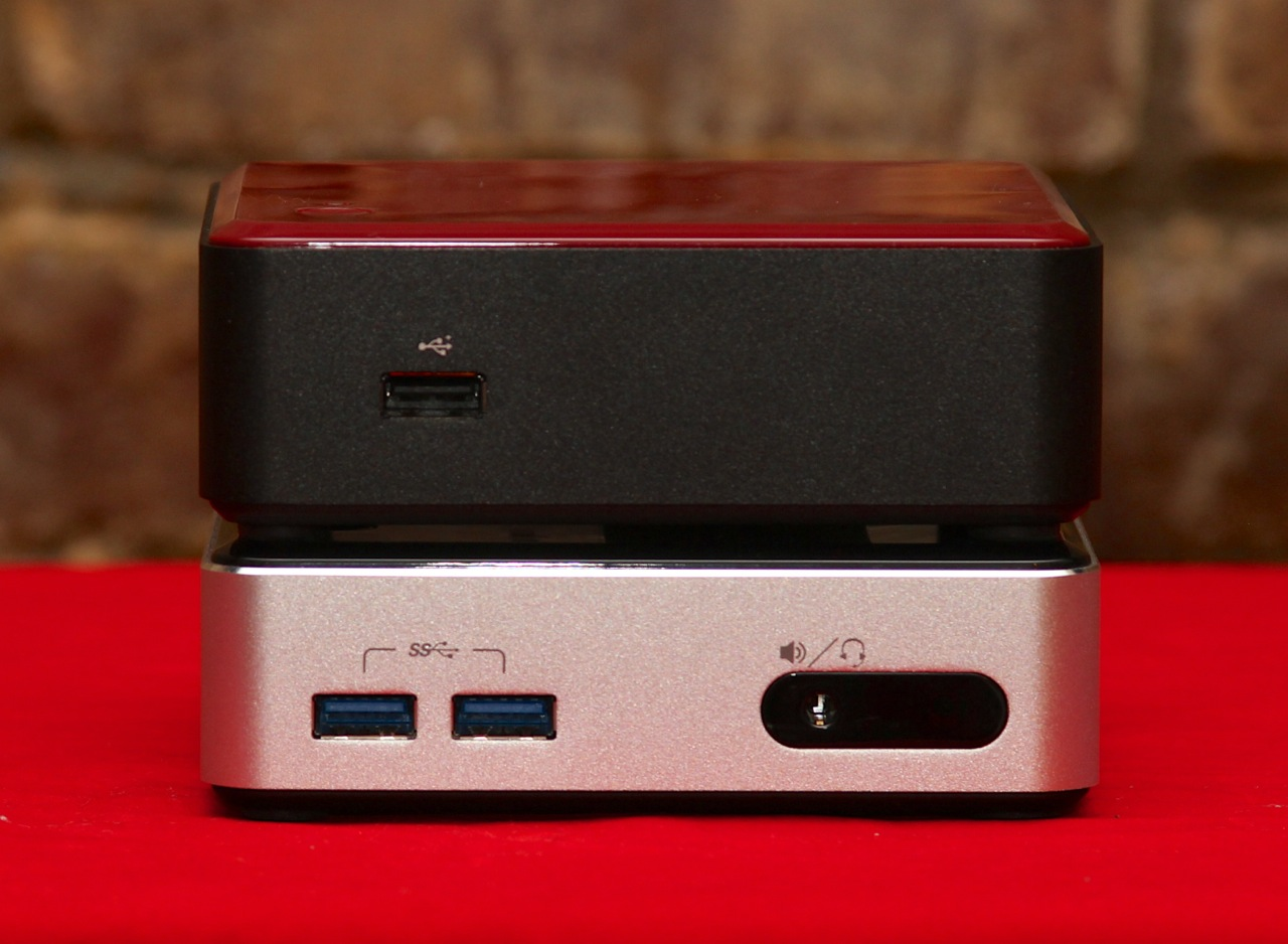 The Ivy Bridge NUC (top) has the same footprint as its successor but is slightly thicker.