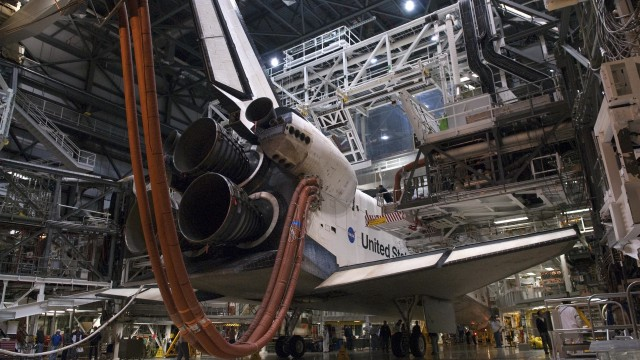 <em>Endeavour</em> undergoes processing at OPF-2. <em>Atlantis</em> was in a similar state while <em>Columbia</em> was flying its final mission.