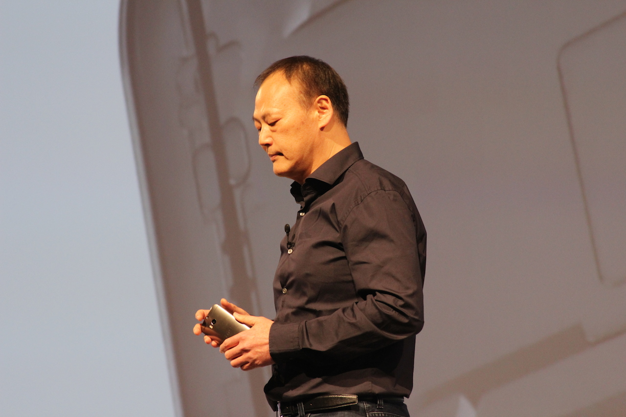 HTC's Peter Chou shows off the new HTC One M8.