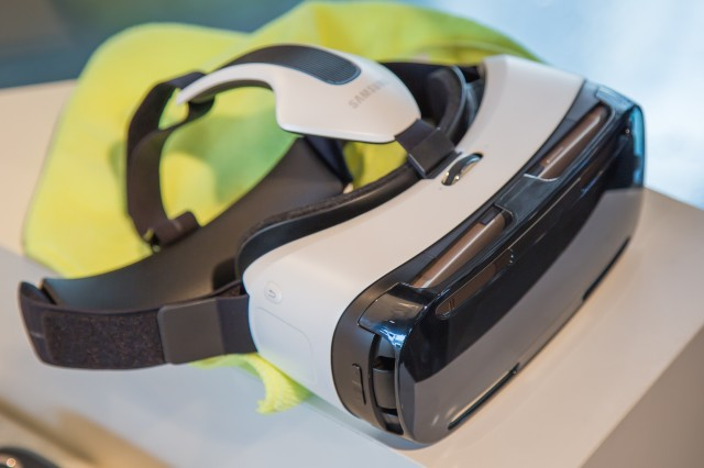 The Gear VR. The brown strip at the front is the side of a Note 4.