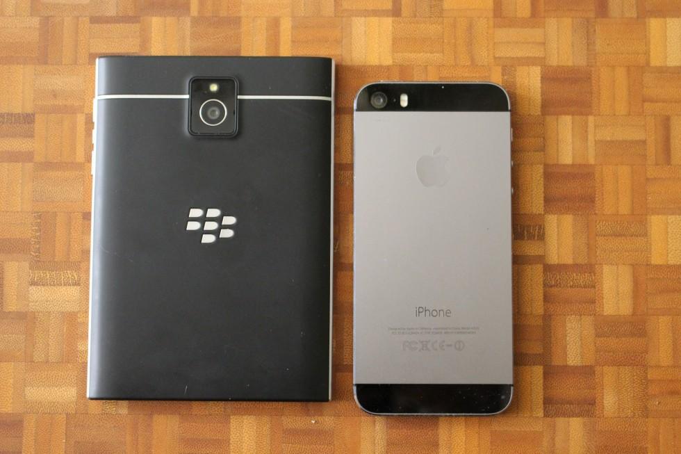 Blackberry passport vs iphone 5s