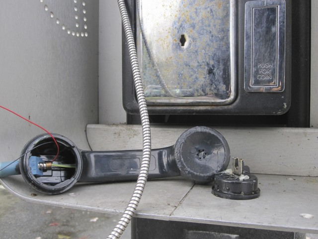 FCC to prevent phone companies from screwing over copper customers
