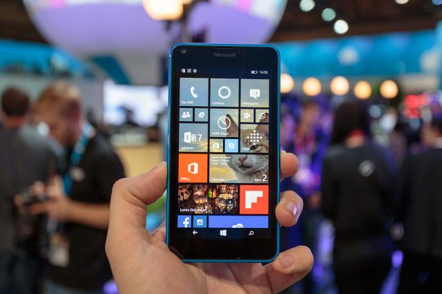 IMG_4209-lumia-640-hands-on-1-640x427.jp