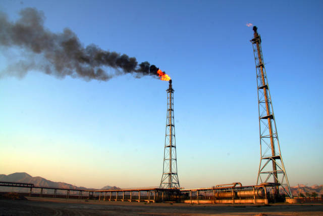 Our Reliance On Fossil Fuel Combustion Is Ruining Carbon