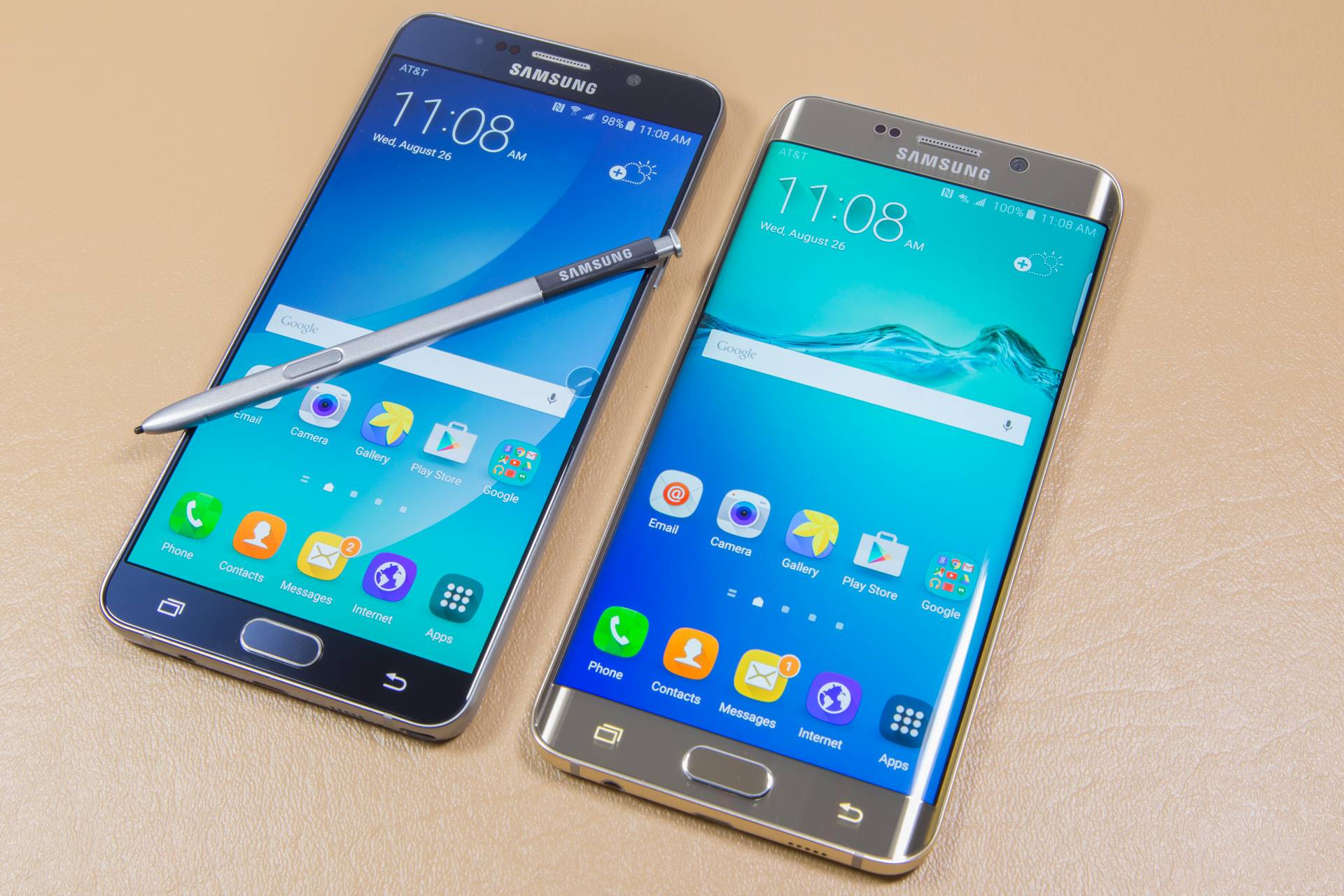 The Note 5 and S6 Edge Side-by-side Comparison