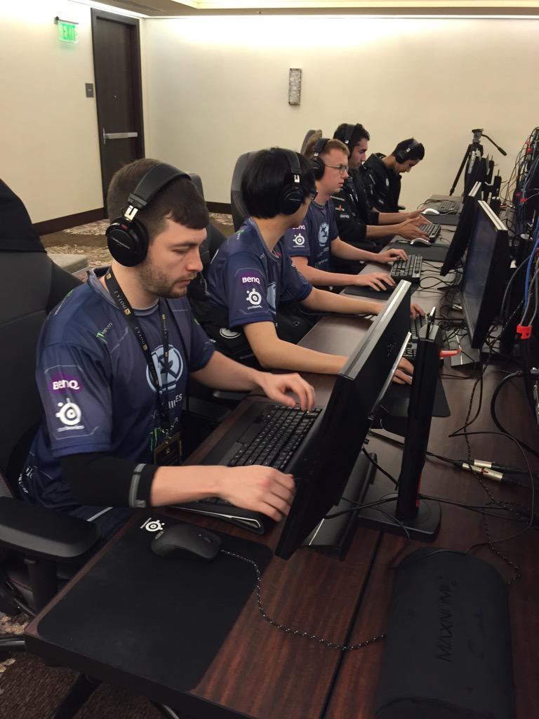 Evil Geniuses getting set up for the International 2015 group stages.