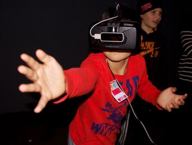 Making-VR-look-cool-Kyle-640x484.jpg