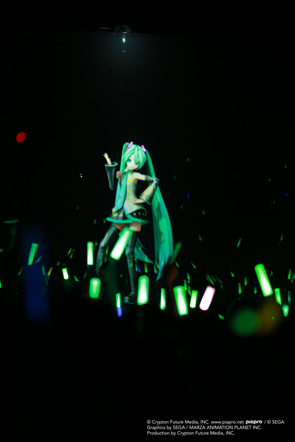 Review: Japanese hologram pop star Hatsune Miku tours North America