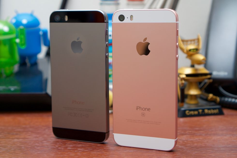 sorry everyone the iphone se is an apology to big phone haters everywhere ars technica. Black Bedroom Furniture Sets. Home Design Ideas