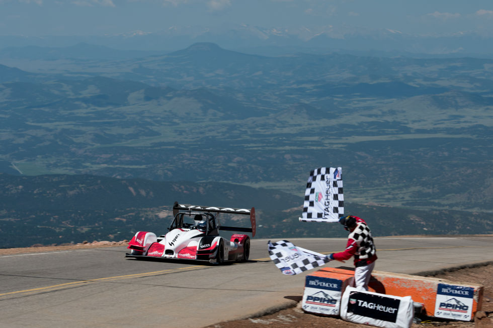 electric vehicles at the pikes peak international hill. Black Bedroom Furniture Sets. Home Design Ideas