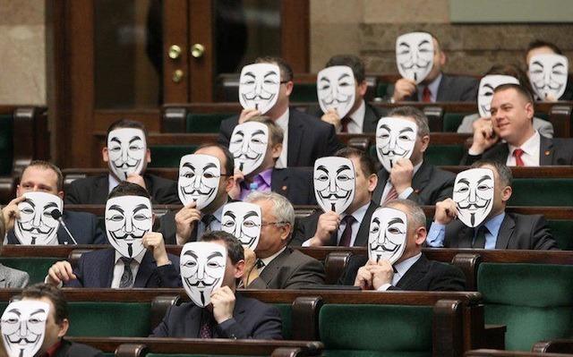 Polish parliamentarians protest ACTA