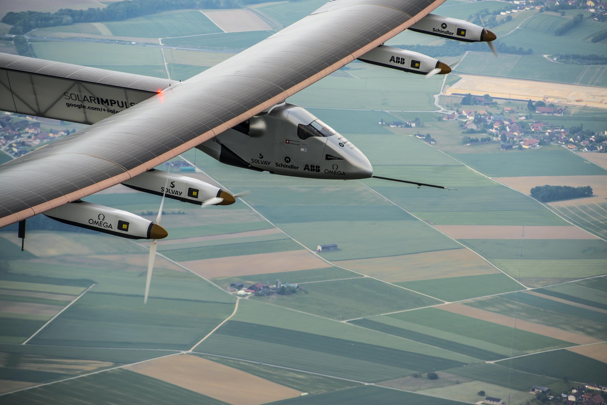 Solar Impulse 2 Begins World S Longest Flight Six Days