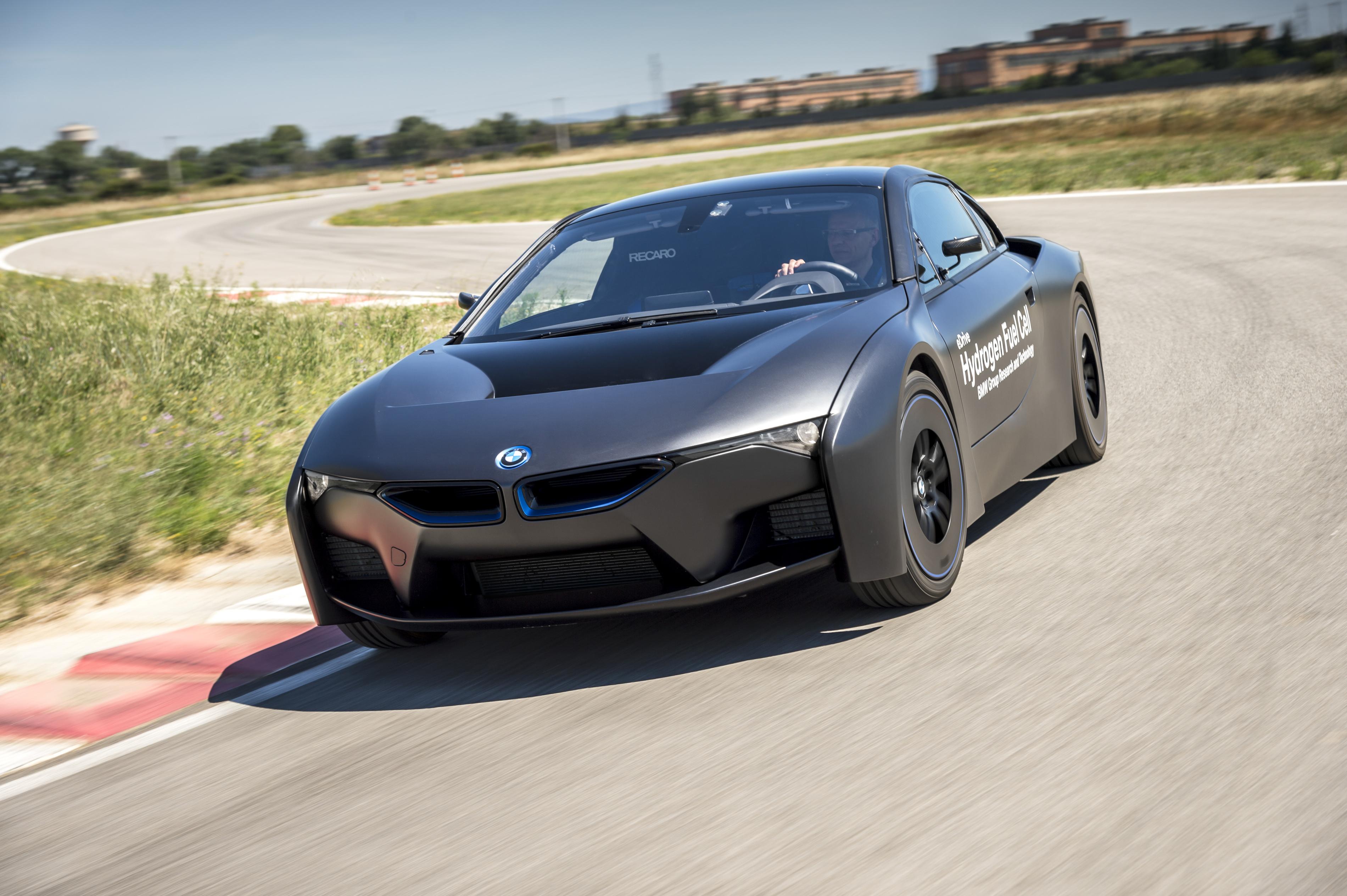bmw shows off first hydrogen fuel cell cars crazy i8. Black Bedroom Furniture Sets. Home Design Ideas