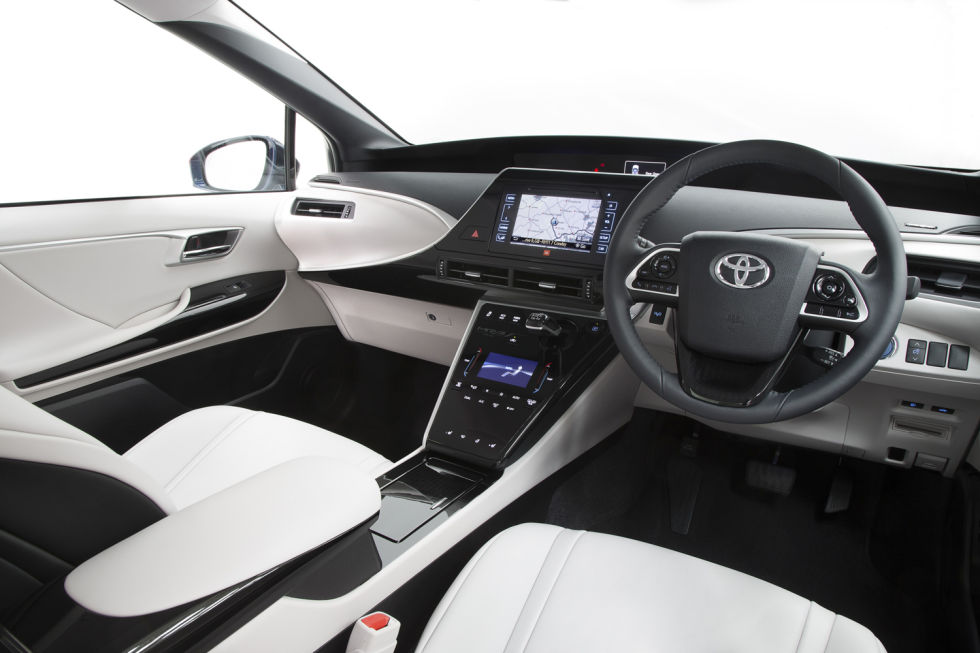 toyota mirai review a futuristic super smooth hydrogen fuel cell car ars technica. Black Bedroom Furniture Sets. Home Design Ideas