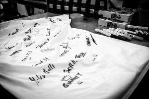 The signedwinner's shirt.