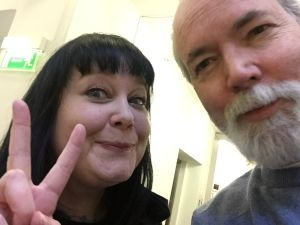 Douglas Coupland snaps 20 selfies with Ars scribe, Lucy.