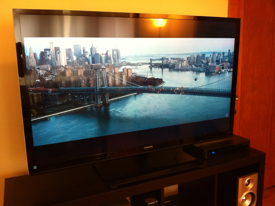 A 1080p download of <em>The Dark Knight Rises</em> played back smoothly via AirPlay Mirroring.