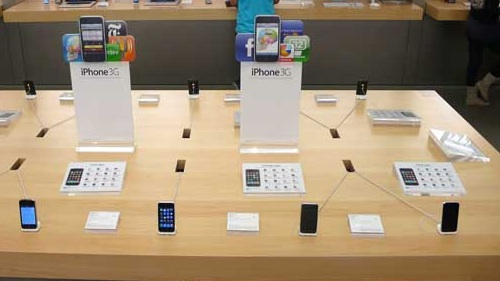 apple stores being revamped with new layout  table
