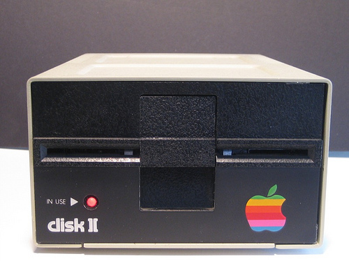 Retro-drooling commence: Mac mini stuffed into a Disk II