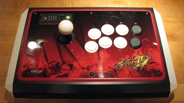 Mad Catz Street Fighter IV sticks: Ars mods, reviews, loves