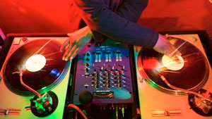 DJ Hero and Scratch: DJ-based games have long way to go ...