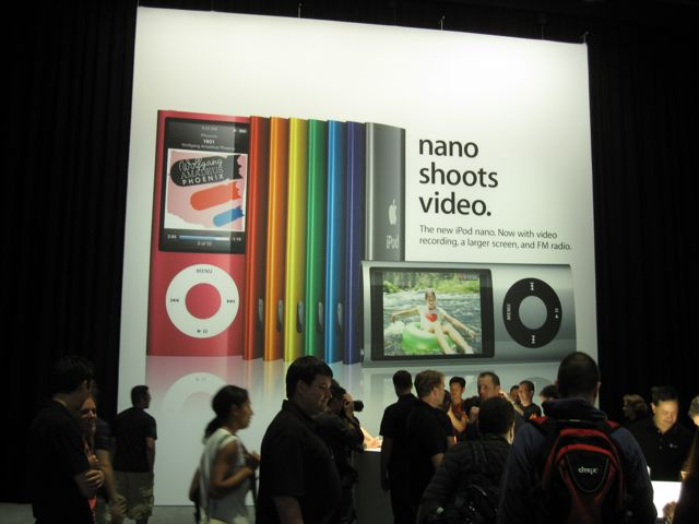 Rock & roll event: photos of new iPod nano with video, radio
