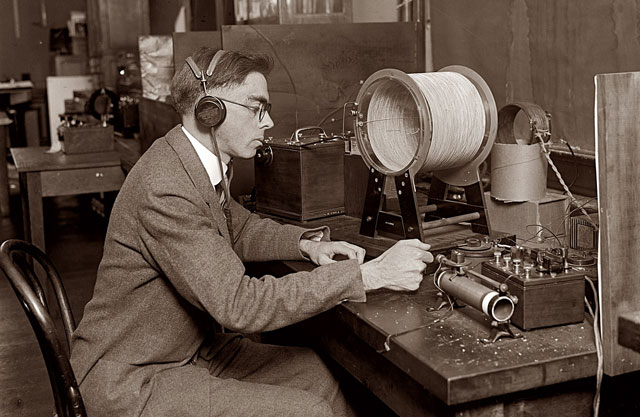 first radio broadcast 1920