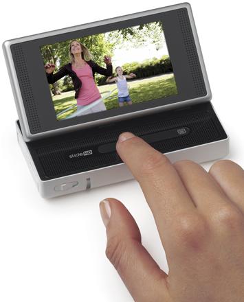 New Flip camcorder jumps on touchscreen bandwagon