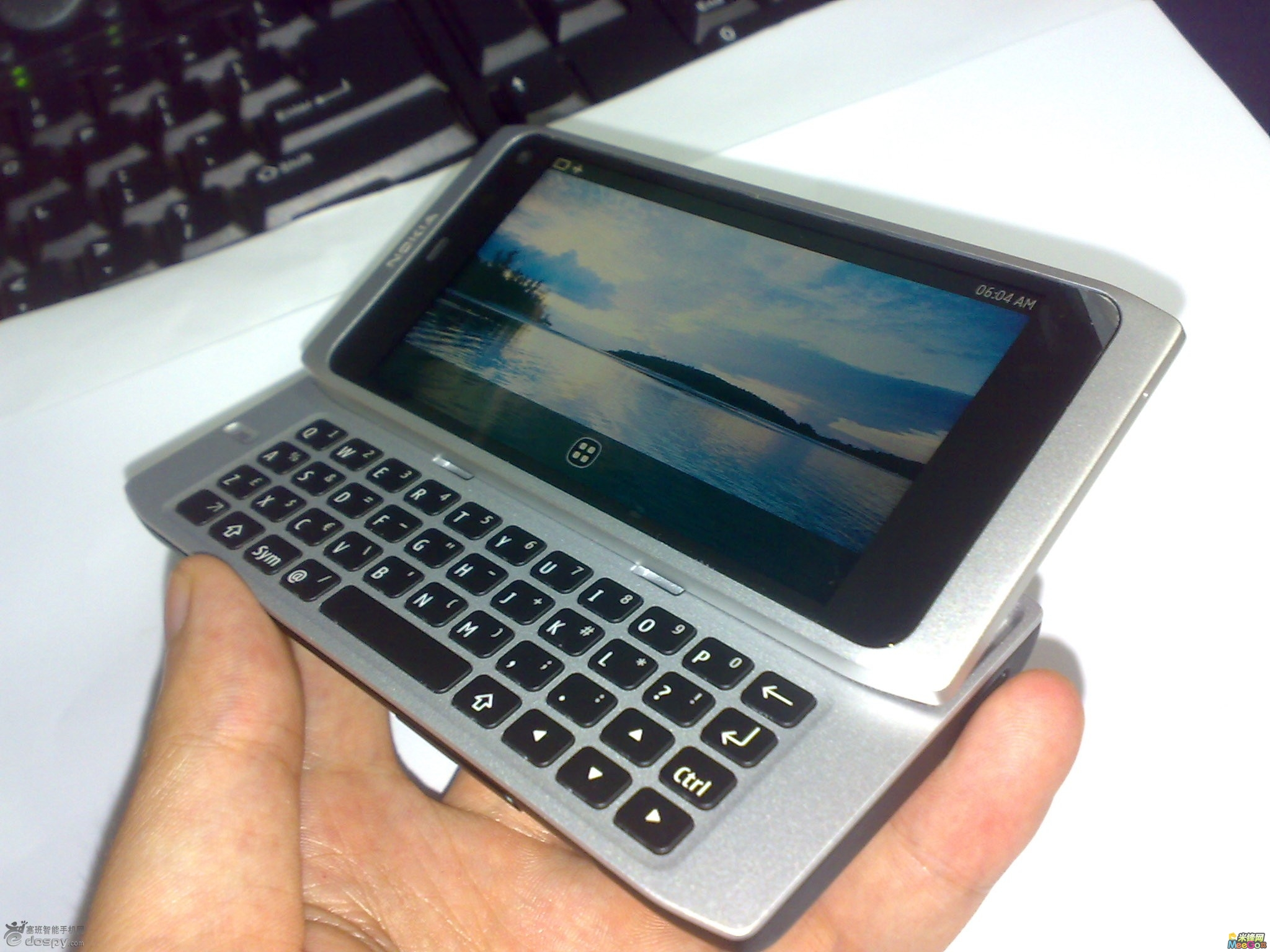 Leak allegedly shows Nokia N9, could be first MeeGo phone
